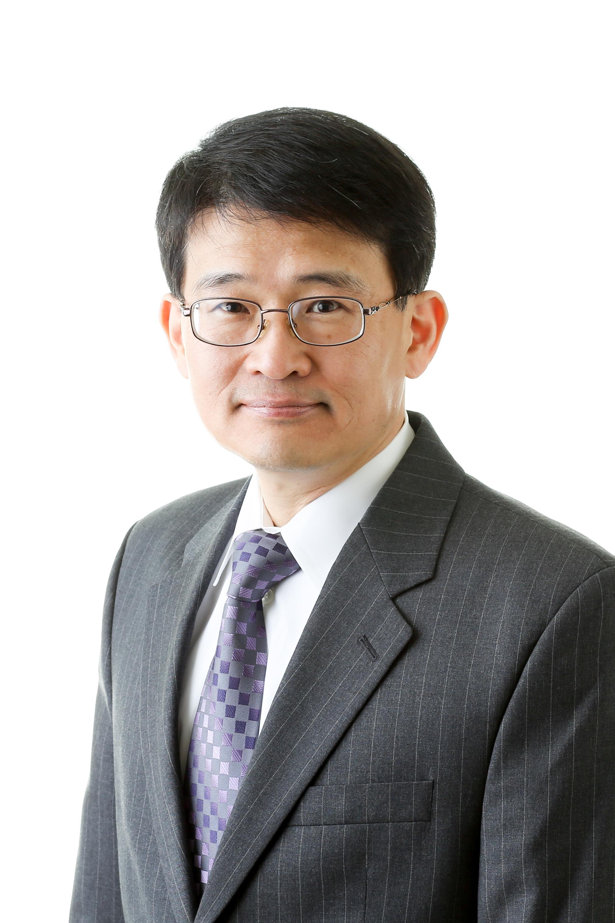 Hwang, Yunho